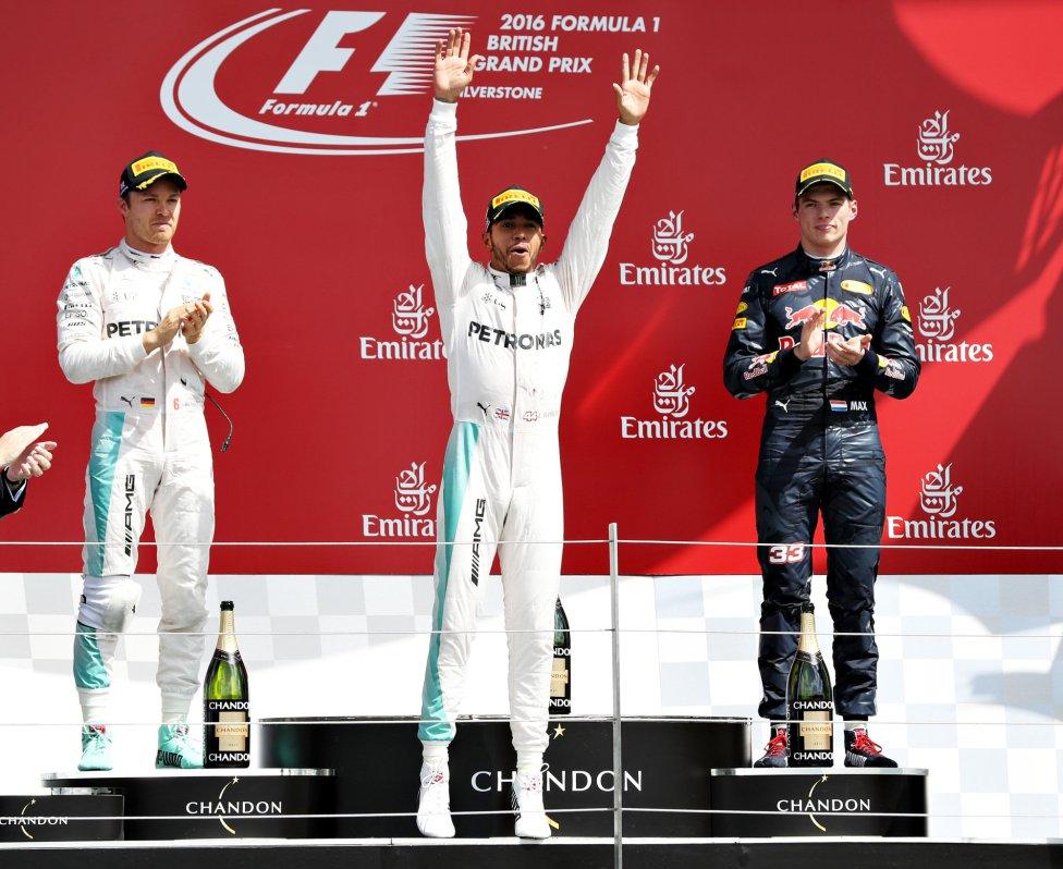 Lewis Hamilton gana por delante de Nico Rosberg y Max Verstappen.